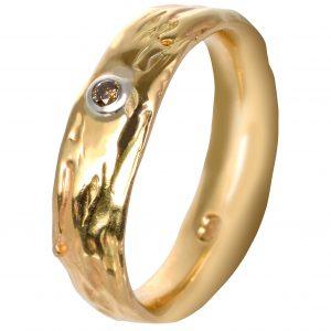 Geltonojo aukso sužadėtuvių žiedas su konjakiniu deimantu