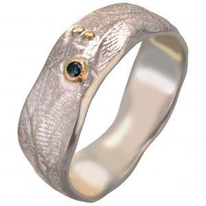 Sidabrinis originalus sužadėtuvių žiedas su mėlynuoju deimantu