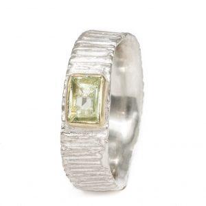 Patogus sidabrinis žiedas su heliodoru aukso apsode