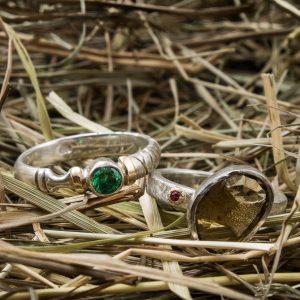 Vienetiniai sidabro žiedai