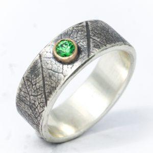 Originalus sidabro ir aukso žiedas puoštas berilu