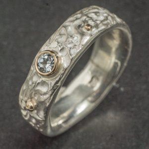 Sidabro ir aukso žiedas su topazu