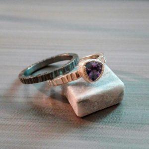 Dviejų sidabro žiedų derinys. Sidabras, jolitas