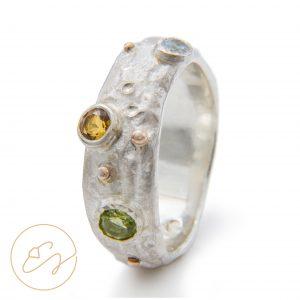 Gaivus sidabro žiedas su topazais ir turmalinais